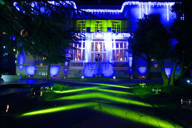 ... Sistema di illuminazione esterna per grandi eventi (mò-mo restaurant